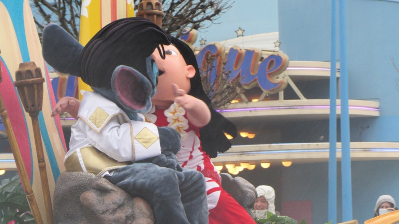 Not a good picture but the only one I had of Lilo & Stitch was from the cars parade.