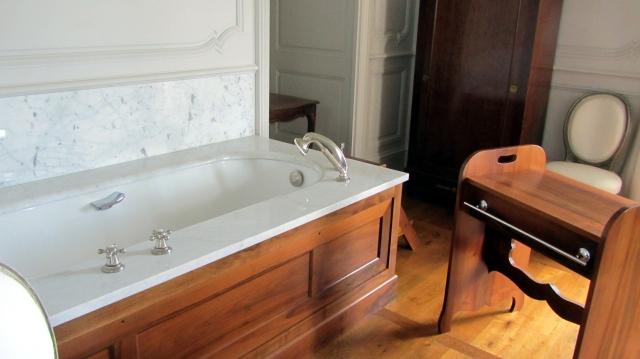 Château de Hautefort Bath
